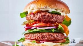 Podwójny wegański burger