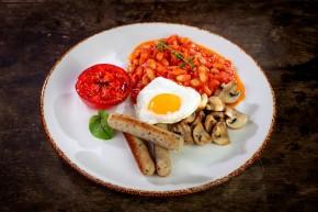 Wegetariańskie angielskie śniadanie
